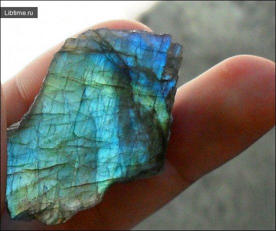 Красивый минерал