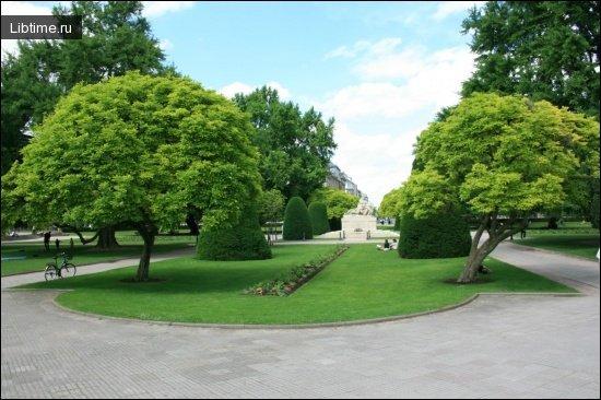 Страсбургский парк Франции