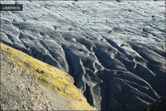 Ледник постепенно плывет вниз