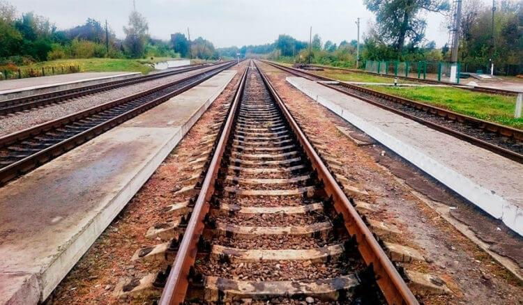 Железнодорожные пути как пример рисования перспективы