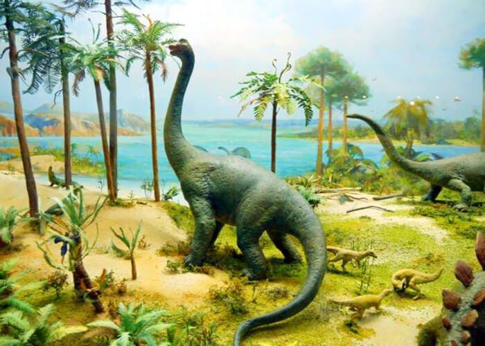 Растительноядный бронтозавр
