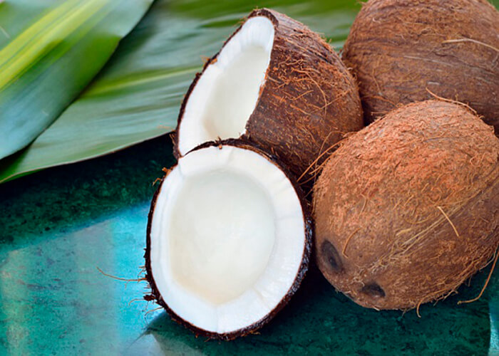 Кинетин выделяют из кокосового ореха