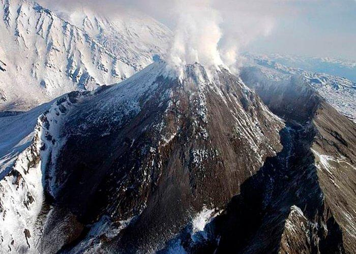 Вулкан Безымянная сопка